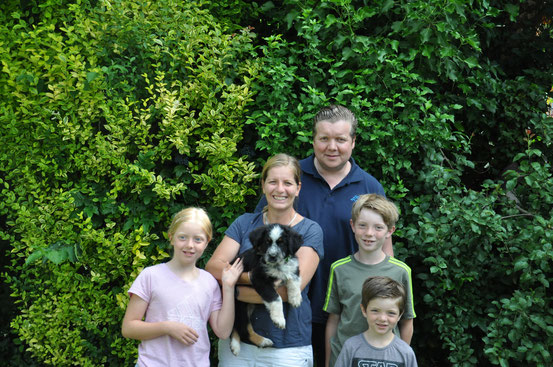 Uhky mit seiner neuen Familie