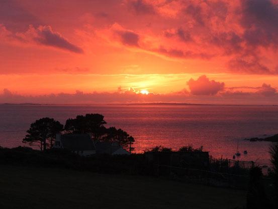 octobre 2014 : splendide coucher de soleil a kerhornou ploumoguer a la pointe du finistere nord en pays d'iroise