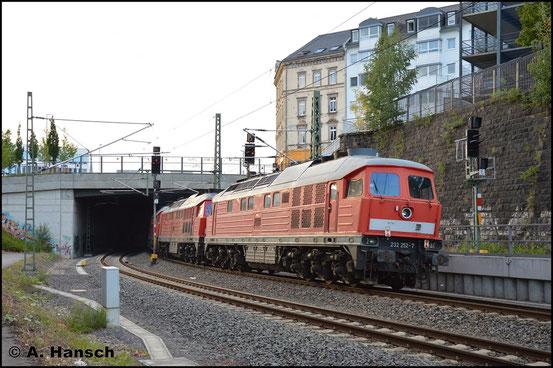 232 252-7 erreicht am 9. Juli 2018 in einem Lokzug Chemnitz. Die Loks wurden kürzlich abgestellt und sollen nun im DB Stillstandsmanagement von Chemnitz zwischengestellt werden