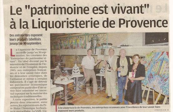 """Article sur """"les Entreprises du Patrimoine Vivant"""" exposées à la Liquoristerie de Provence, avec les oeuvres de JF Savornin (LA PROVENCE, 26 juin 2010)"""