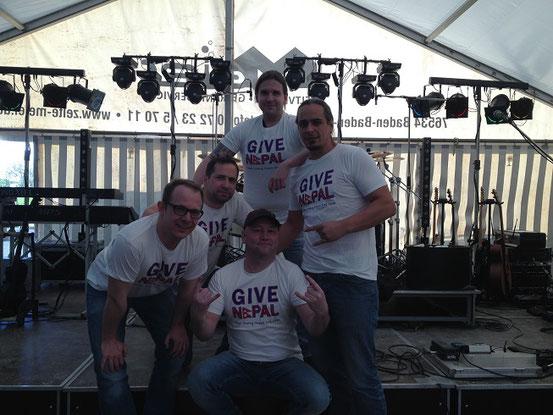 Die Coverband Red Hot aus Bühl unterstützt unser T-Shirt Aktion. Danke !