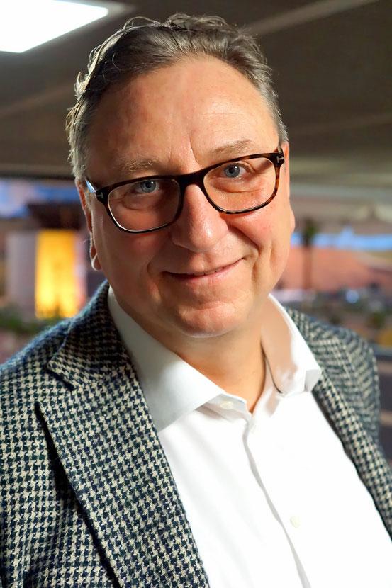 Geschäftsführer : Rainer Kempkes