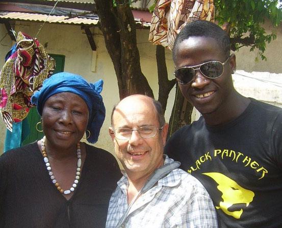 Babara, sa maman Mariama et Jean-Ma, Conakry, janvier 2012