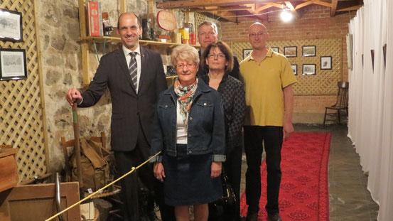 Visite de M. Steven Blaney aux Espaces Mémoires le 16 avril 2012