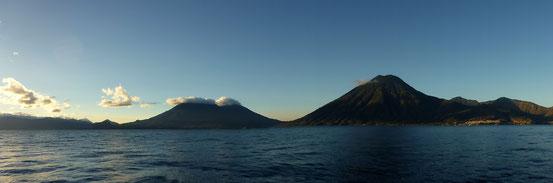 Einmalige Aussicht auf die Vulkane Toliman, Atitlan und San Pedro