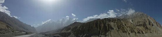 Eindrückliche Bergwelt entlang des Karakorum-Highways.