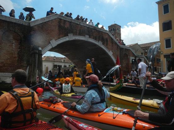 imbottigliamento al ponte dei Tre Archi