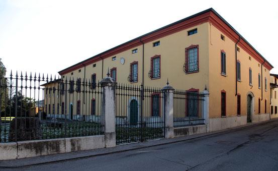 Facciata da via San Martino.
