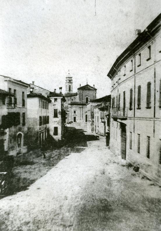 Medole, Via Roma.