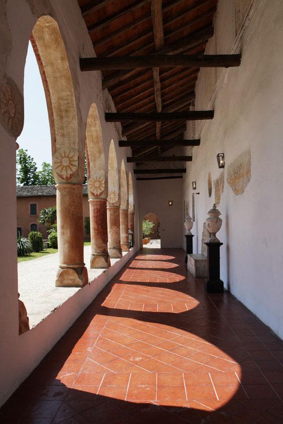 Convento dell'Annunciata, Chiostro interno.
