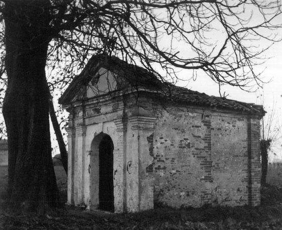 Chiesa di San vito nel 1974, foto di Don Dino Bondavalli.