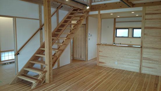 木と漆喰とセルロースファイバーでつくる豊かな暮らしの空間づくり