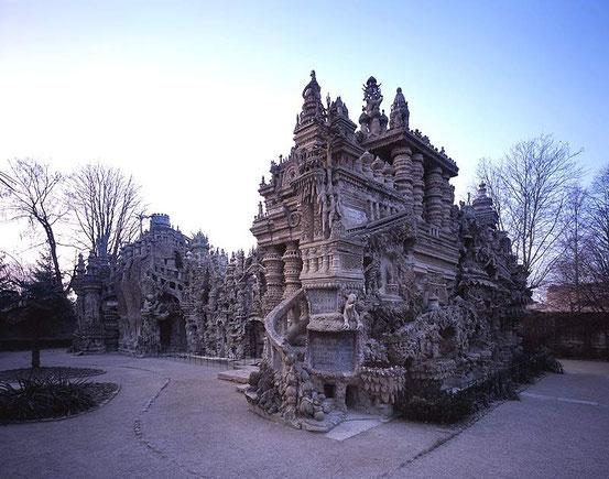 Идеальный дворец