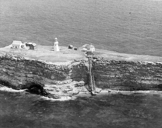 La Malédiction du phare du rocher aux oiseaux - Mythes & Légendes Urbaines