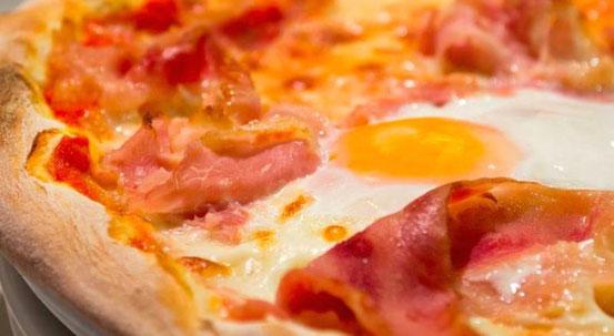 Ресторан Il Pomo d'Oro - отличная пицца в Эшампле в Барселоне