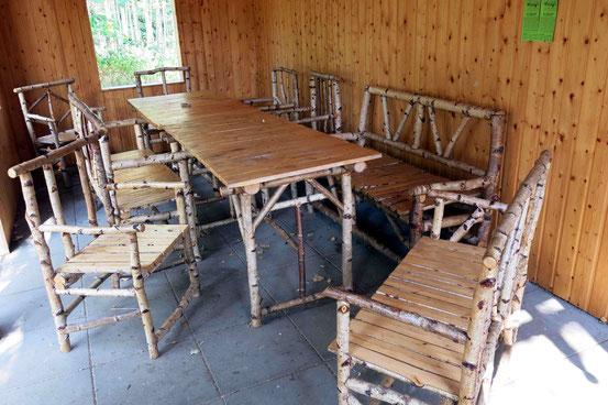 Jungborn, Harz, Lichtlufthütte von Innen, Tisch, Stühle