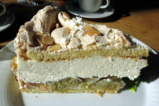Selbst gebackene Stachelbeer-Baiser-Torte, Brockenbauer Thielecke, Tanne