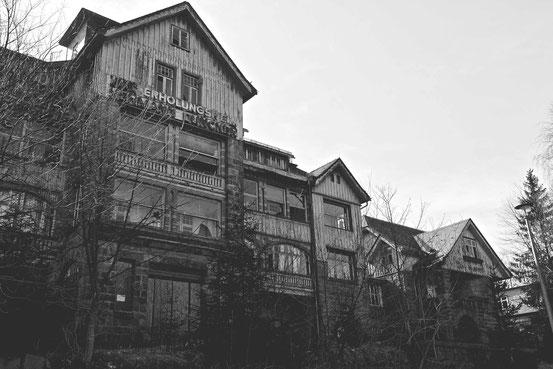 "FDGB-Erholungsheim ""Hermann Duncker"" (als ""Villa Waldpark"" Anfang des 20. Jahrhunderts gebaut"")"