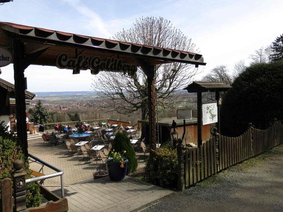 Café Goldberg/ Bad Harzburg: Sonnenterrasse mit Ausblick auf nördliches Harzvorland