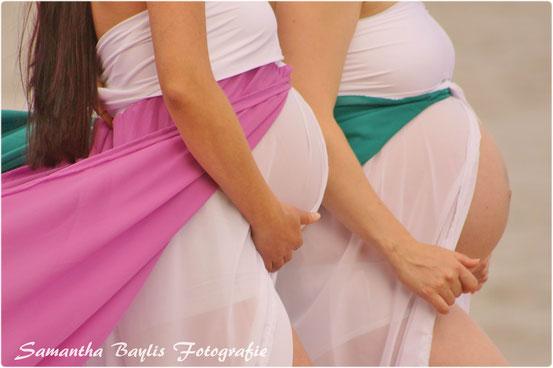 Samantha Baylis Fotografie Schwangerschaft Babybauch Belly Kleid