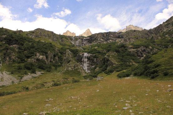 Une des nombreuses cascades rencontrés le long du chemin