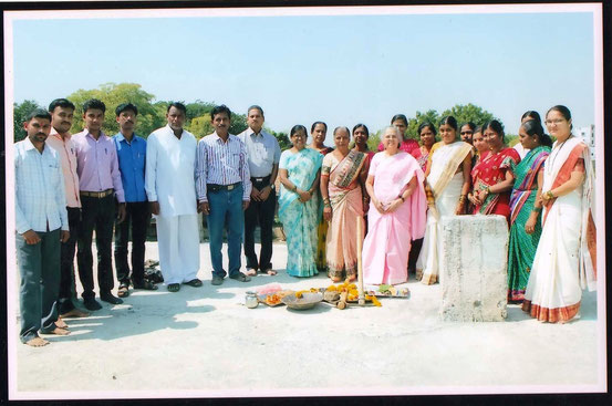 School Leaders, Dr. (Mrs.) Sanjeevani Kelkar, Mata Balak Founder (in pink sari)