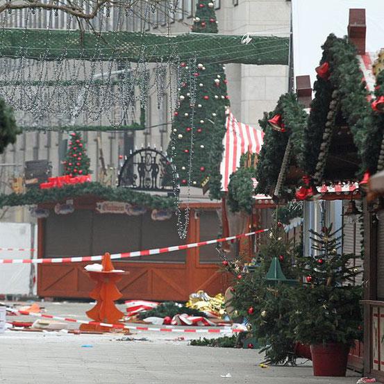Ein Bild vom Anschlag auf den Berliner Weihnachtsmarkt an der Gedächtniskirche