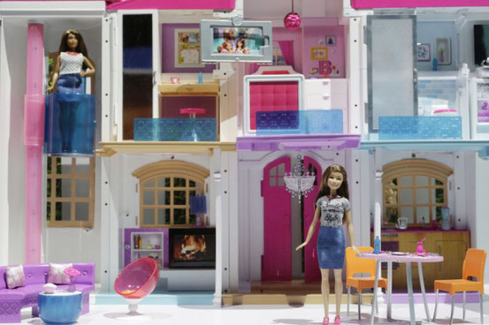 Barbie's smartes, internetverbundenes Traumhaus auf einer Messe in New York (©picture-alliance/AP)