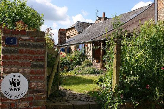 L'entrée... C'est une maison pleine de surprises, qui ne paraît pas grande, et pourtant...
