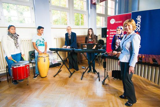 Die Talentschmiede: Kids on Drums-Akademie mit Frau Schadt (Lebensgefährtin des Bundespräsidenten