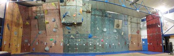 La SAE actuellement - 22 couloirs de grimpes - 100 voies