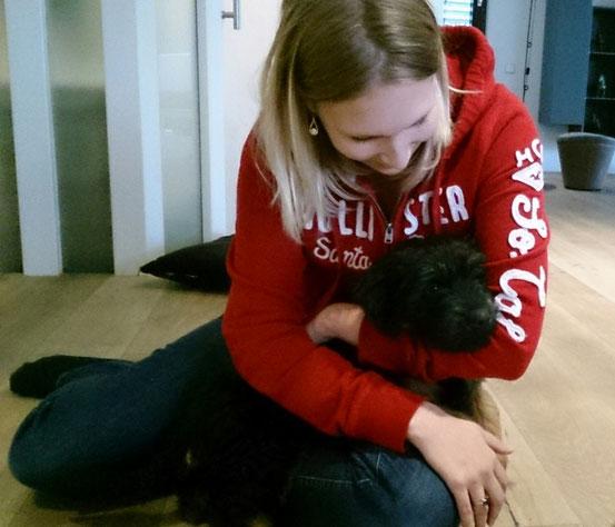 Baila zieht zu ihrer neuen Familie nach Winterthur in die Schweiz