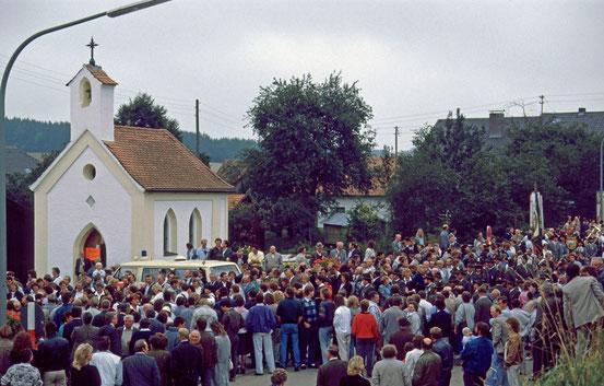 Bilder vom Kirchenzug am Festsonntag des 30jährigen Gründungsfestes in Penk