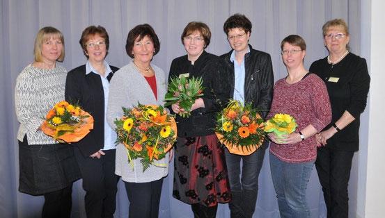 Der aktuelle Vorstand mit zwei neuen Mitgliedern. Auf dem Bild sind von links: Inke Koch, Sabine Lemm, Ilse Fischer, Sigrun Stolle, Susanne Pöhls, Nicole Stammer, Ute Gerstand-Wegener