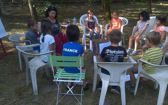 Atelier philo en Gironde sous les chênes avec les 7/8 ans de l'ALSH à Préchac en Gironde (juillet 2017)