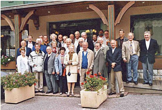 AG 2004 au restaurant à Thônes