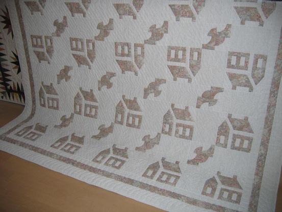 """Schoolhouses and Birds"" (maschinengenäht und handgequiltet)"