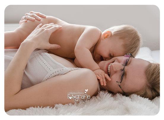 stillfotos, babybilder, fotograf zwickau, familienfotos, neugeborenenfotos, lichtbildkuenstlerei, kätheliebtaugust,mama tochter