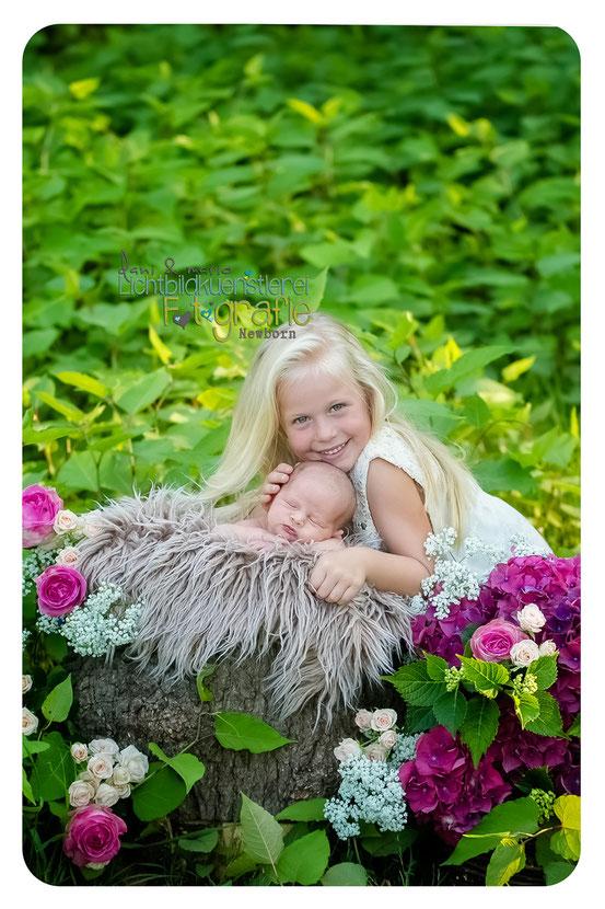 Baby Neugeborenenfotografie Fotografie Schwangerschaft Zwickau Familienshooting Kinderbilder Fotograf Daniela Rettke Hebamme Lichtbildkünstlerei Lichtbildkuenstlerei Geschwisterbilder