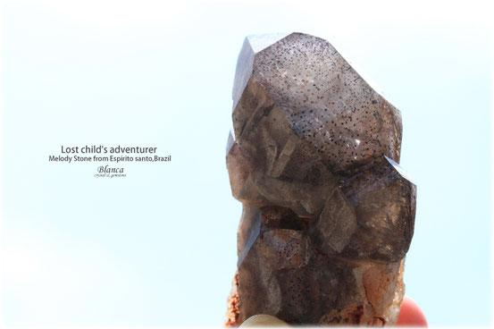 スーパーセブン メロディーストーン原石 写真