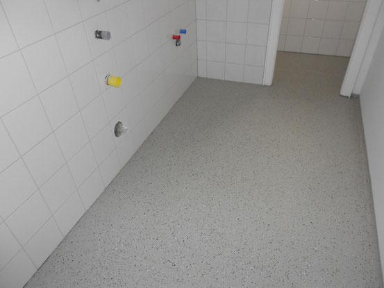 WC Boden mit Chipseinstreuung