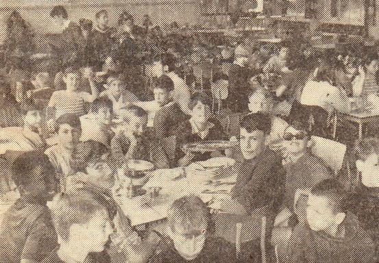 Le repas de midi à l'Ecole Normale