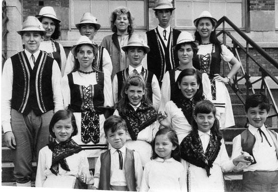 Goûter des pensionnés socialistes en 1968 à l'Ecole Normale