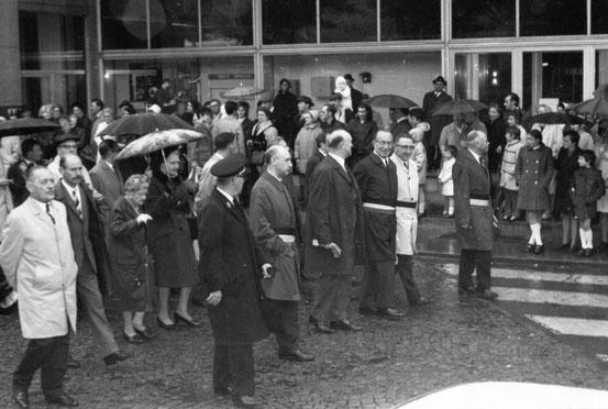 Une rentrée de Tour 1970 sous la pluie et photo de Monsieur Pouhl