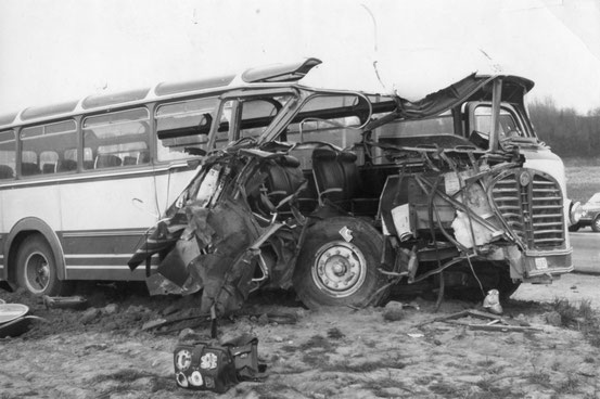 En avril 1971, grave accident de car