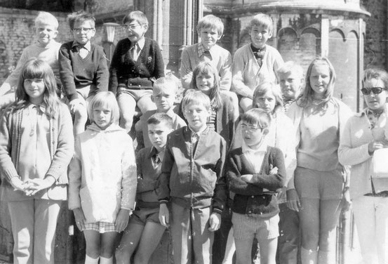 Des enfants de Martelange en visite au camp de Nivelles