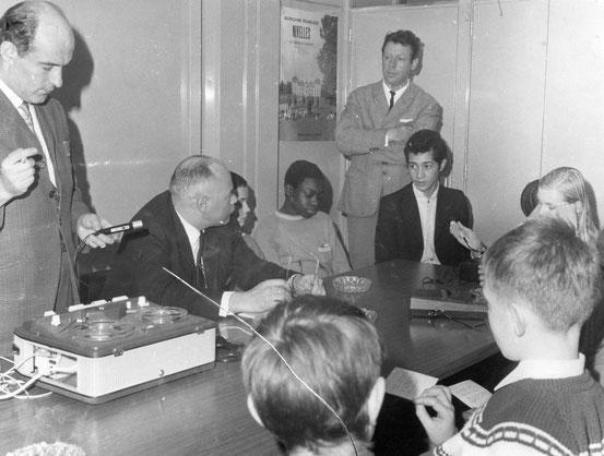 Questions sur la démocratie dans le bureau de l' Echevin DUFOND