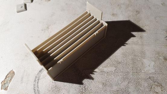 Als nächster vorbereitende Schritt, wurden die einzelnen Fächer in die Munitionstransportkiste eingesetzt und verklebt.