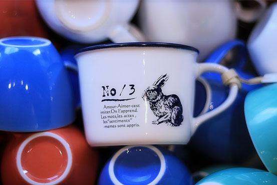 Bleu et blanc マグ うさぎ/photo @ooomidooo