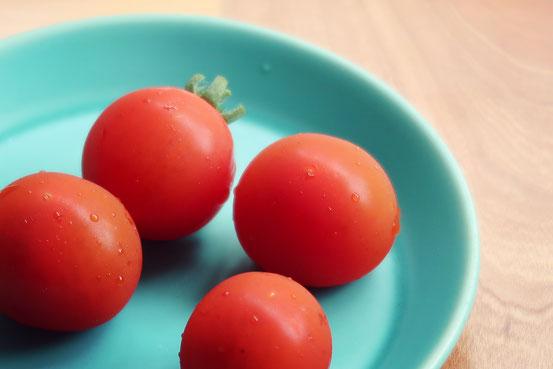 美濃焼プレートとプチトマト